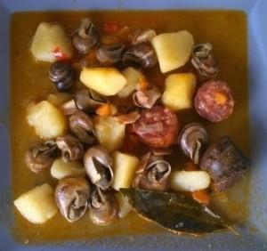 Caracoles con patatas y ajo-aceite
